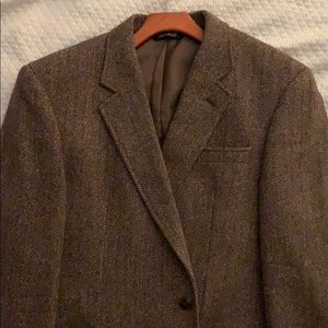 Gently Worn Brown Tweed Sportcoat Jos A Bank sz 44